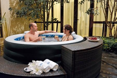 whirlpool selber bauen tipps zum jacuzzi selbstbau. Black Bedroom Furniture Sets. Home Design Ideas